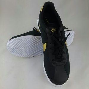 Nike Mens Cortez Ultra QS, Black/Metallic Gold 11